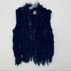 Ameise rabbit knit, raccoon front vest